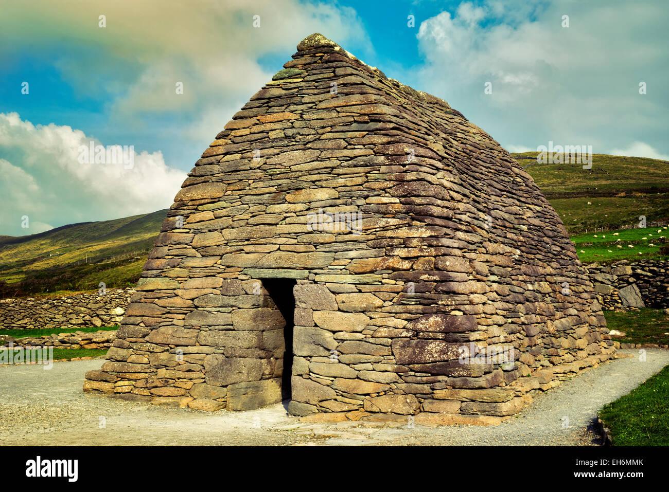 Gallarus Oratory and clouds. Slea Head Drive. Dingle Peninsula, Ireland - Stock Image