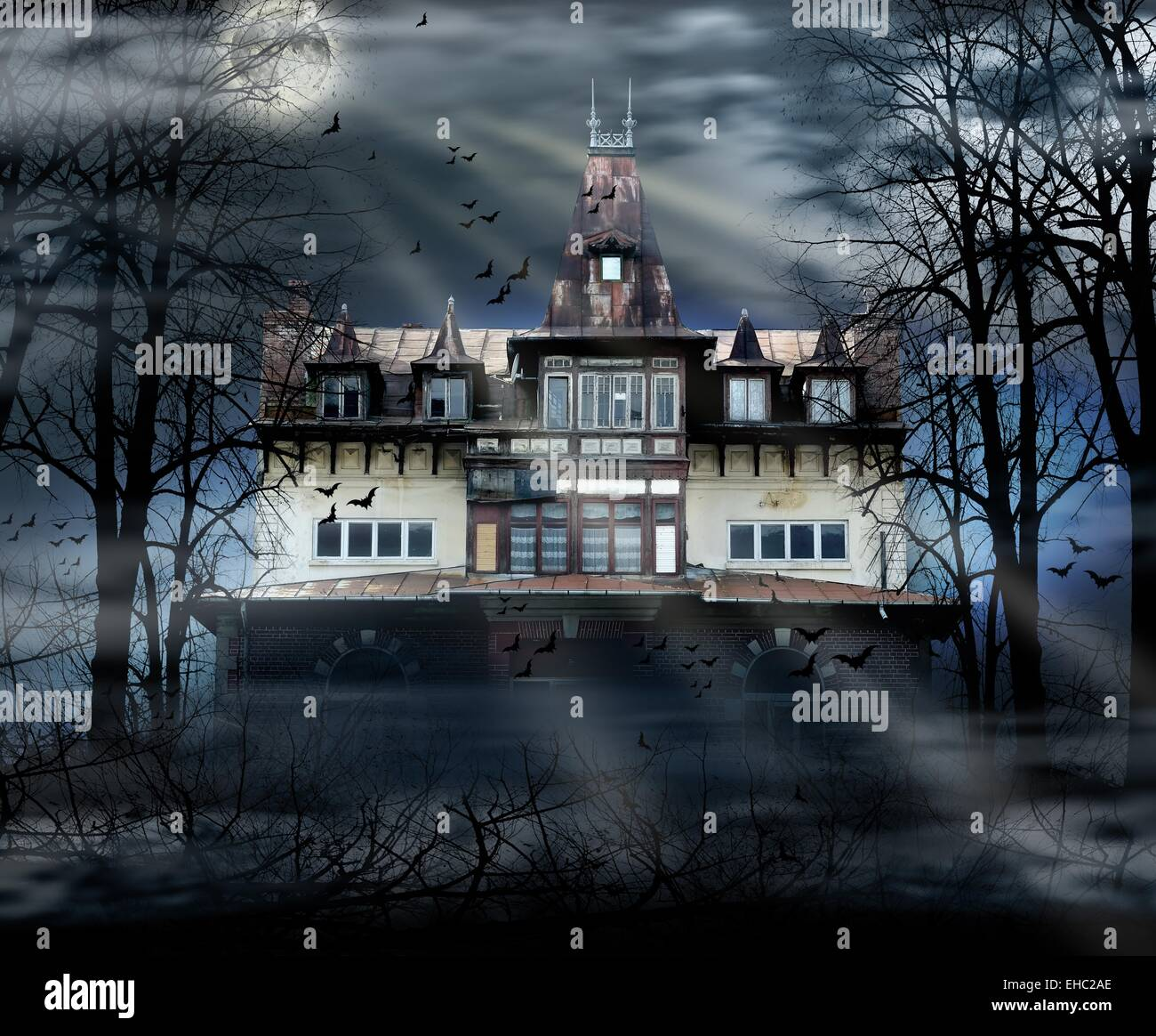 Haunted house with dark scary horror atmosphere - Stock Image