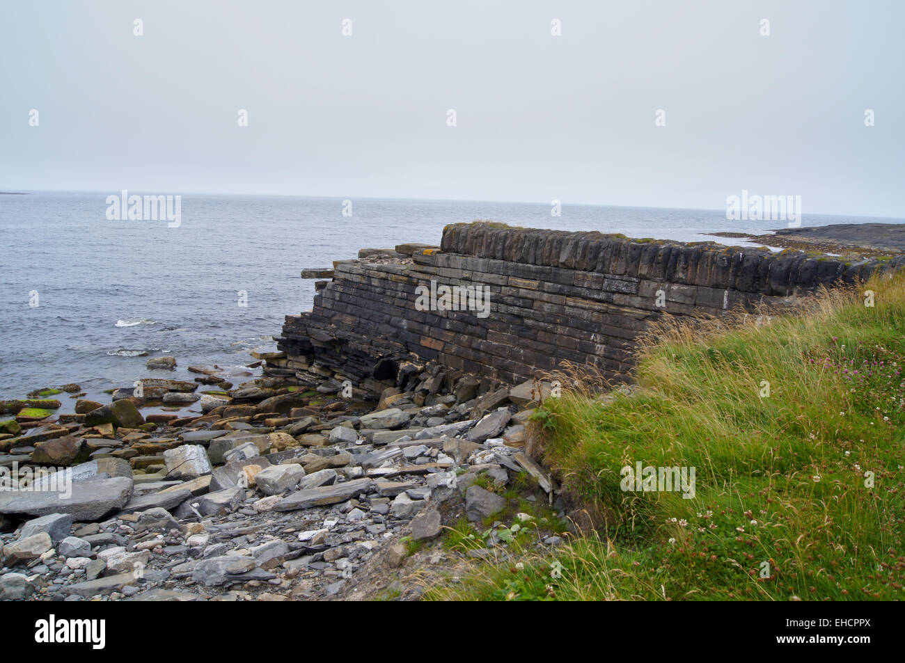 remains-of-thomas-stevensons-breakwater-1863-73-wick-caithness-scotland-EHCPPX.jpg