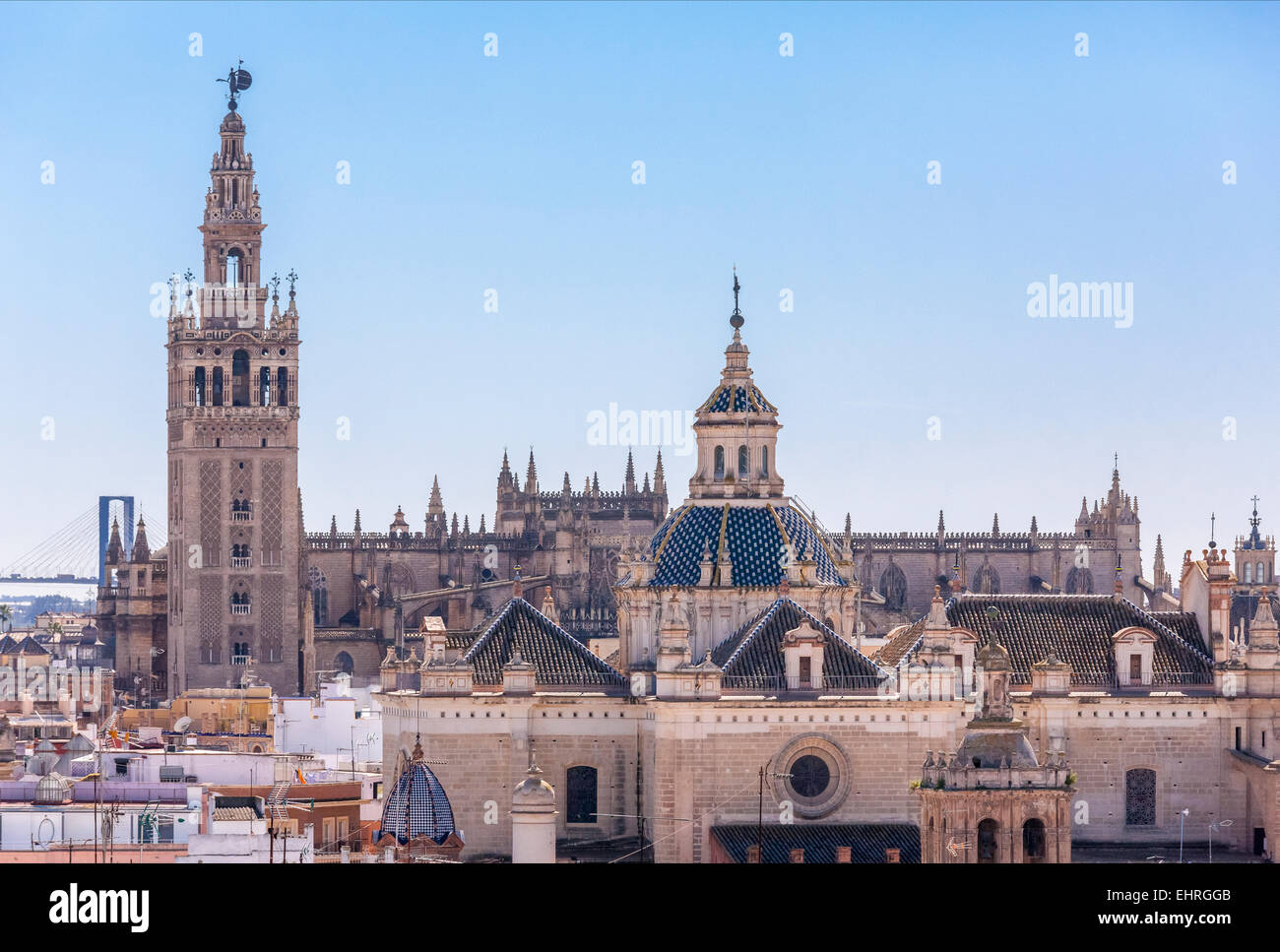 https://c7.alamy.com/comp/EHRGGB/seville-spain-skyline-with-la-giralda-tower-cathedral-el-salvador-EHRGGB.jpg