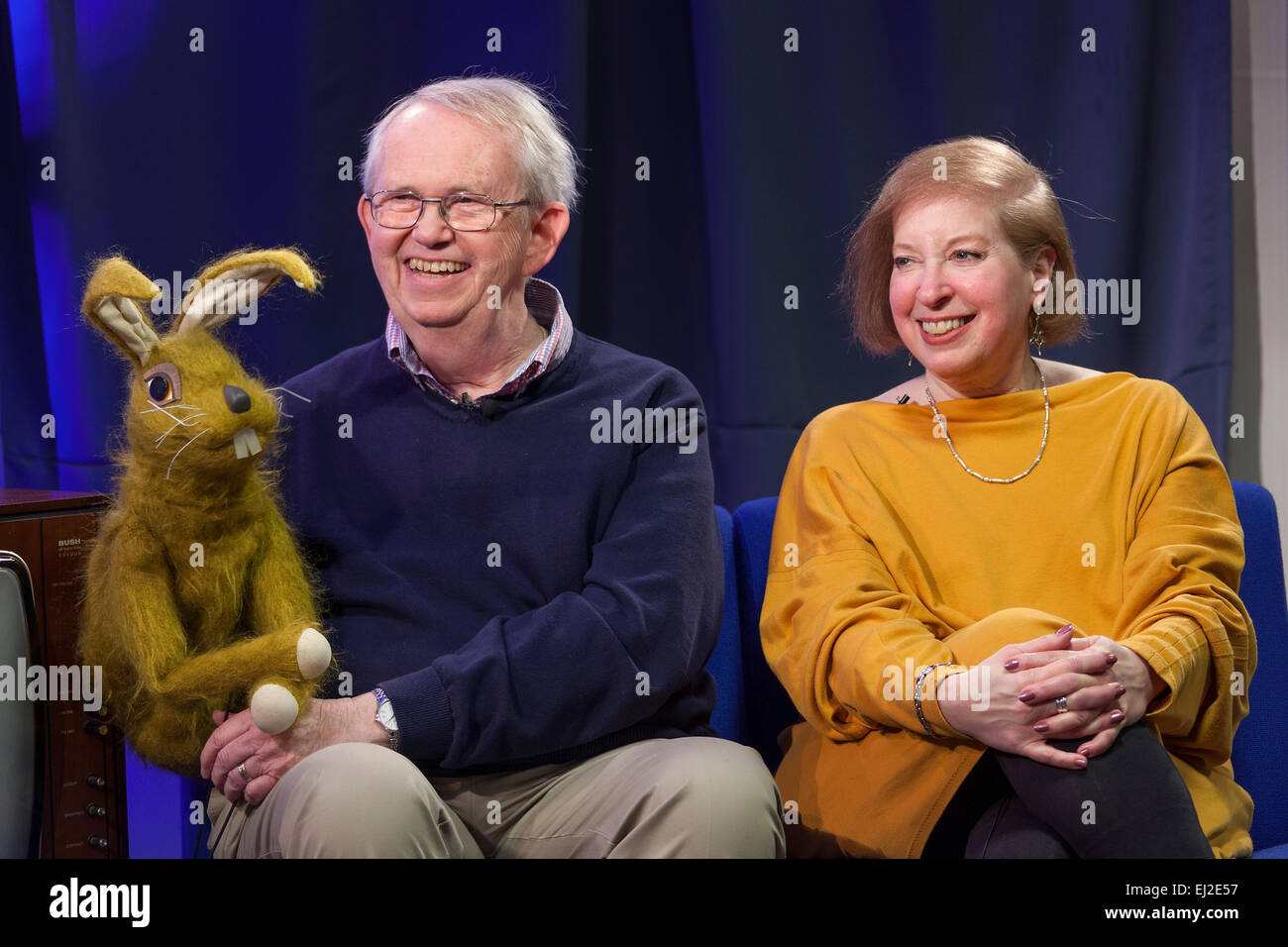 Walsall, West Midlands, UK. 20 March 2015. Puppeteer Nigel Plaskitt (L) with 'Pipkins' puppet Hartley Hare - Stock Image