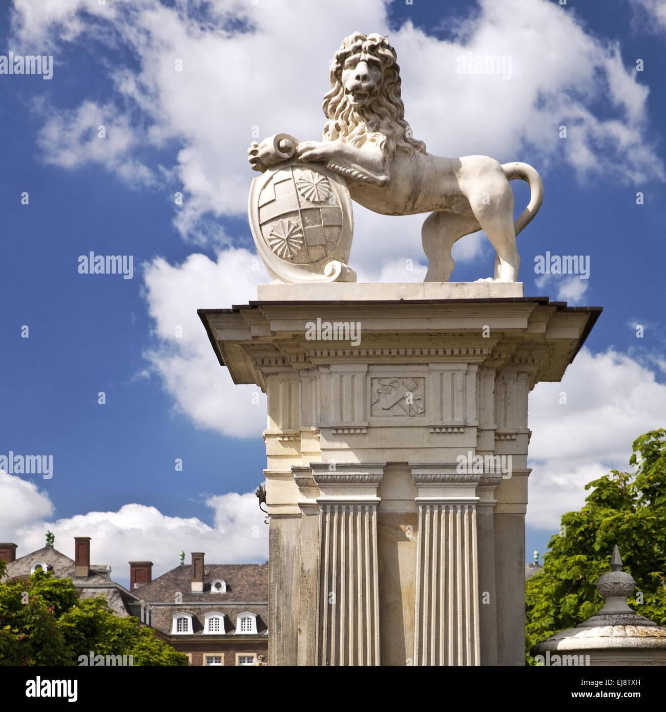 Lion sculpture, Nordkirchen Palace, Germany - Stock Image