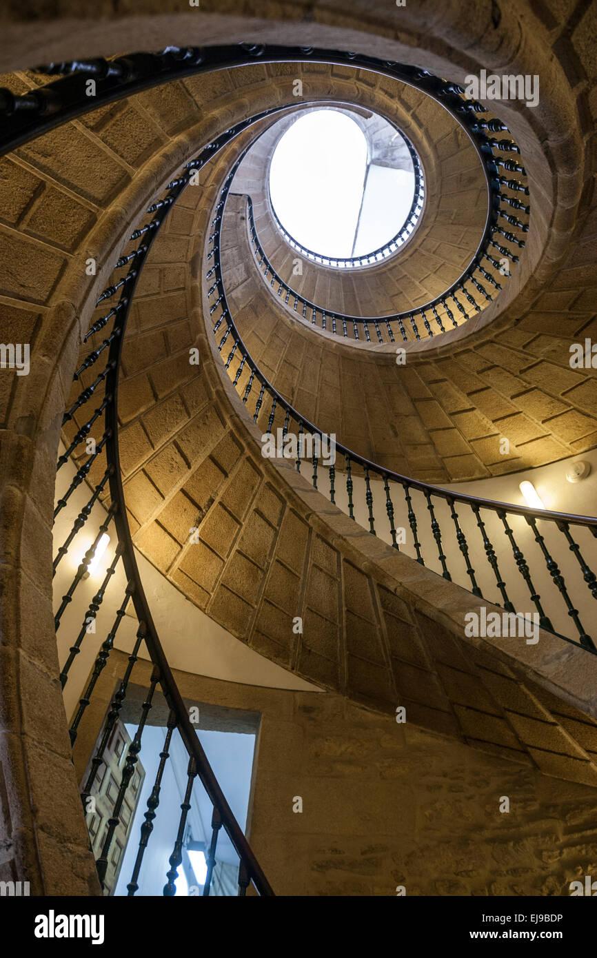 the-triple-spiral-staircase-in-convento-de-santo-domingo-de-bonaval-EJ9BDP.jpg