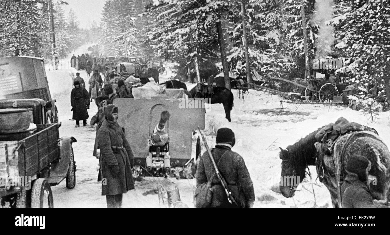 The picture shows a Soviet artillery unit moving up to the battlefront in the Karelian Isthmus. March 1940. - Stock Image