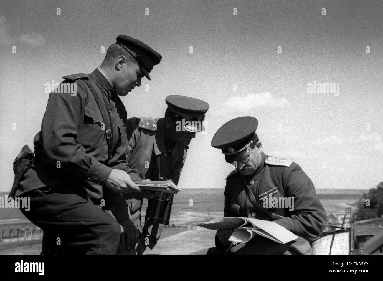 ITAR-TASS: USSR. Chief Marshal of Armoured Troops Pavel Rotmistrov R examining the current situation at the battlefront. - Stock Image