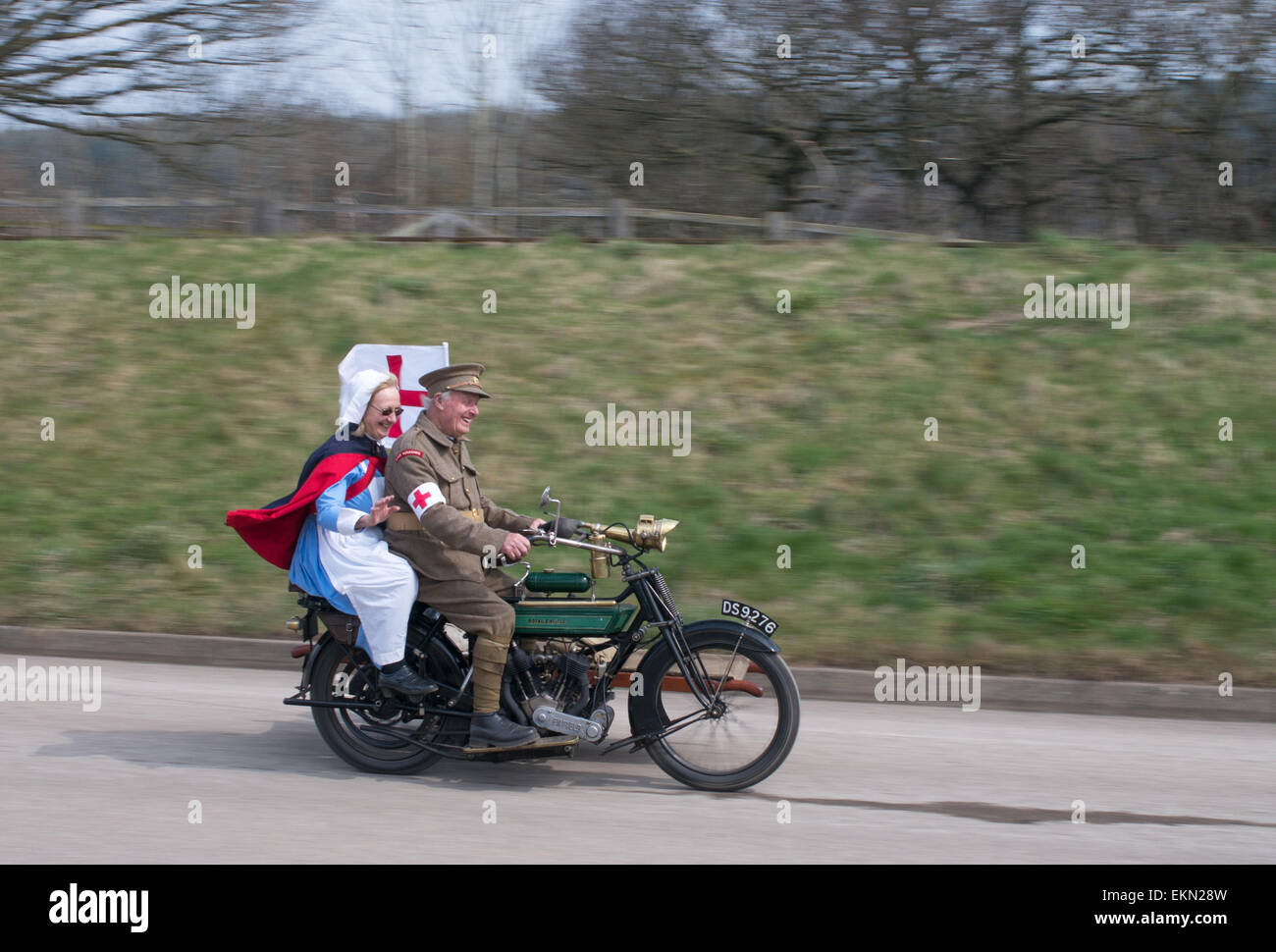 smiling-older-couple-riding-ww1-stretche