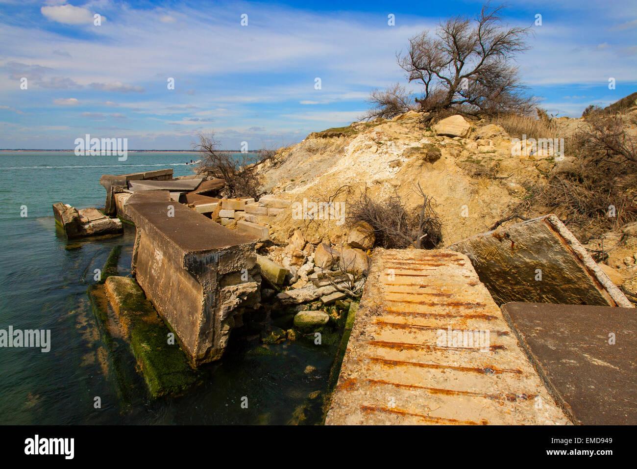 destroyed footpath, earth, rock, large landslip, erosion, Totland Bay, The Needles, Isle of Wight, England, UK - Stock Image