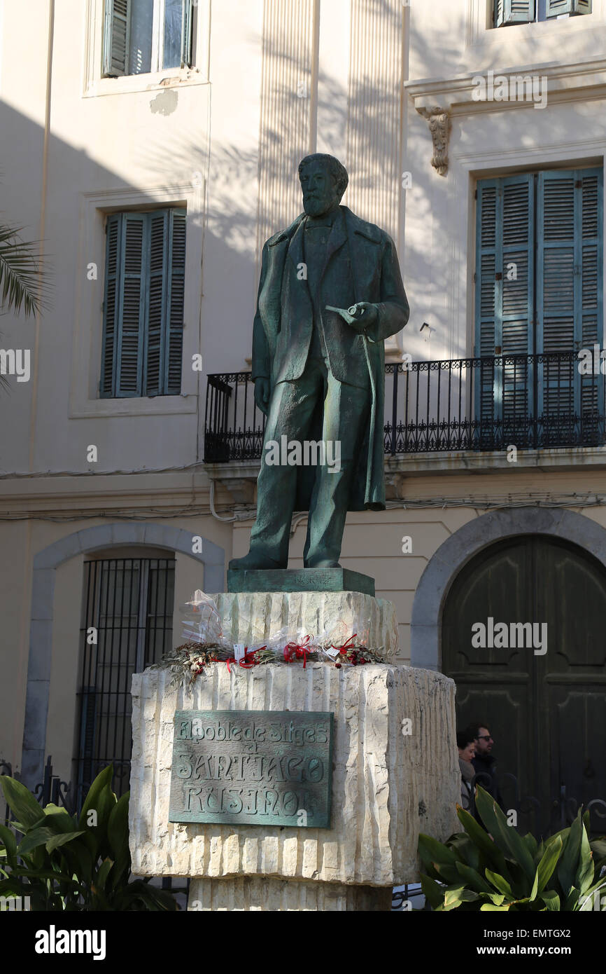 Santiago Rusinol (1861-1931). Spanish painter. Modernism. Statue of Santiago Rusinol by Pere Jou. Sitges. Spain. - Stock Image