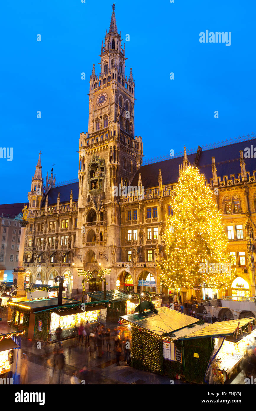 Overview of the Marienplatz Christmas Market and the New Town Hall, Munich, Bavaria, Germany, Europe - Stock Image