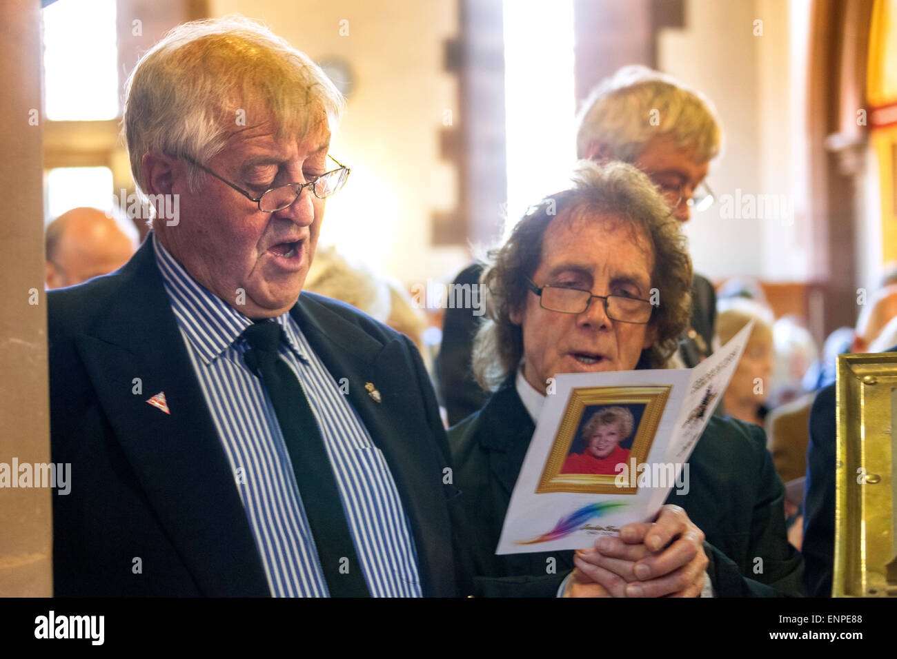 Holy Trinity Church, Chesterton, UK. 8 May 2015. Husband Colin Gregory and former Stoke City, Everton and Aston - Stock Image