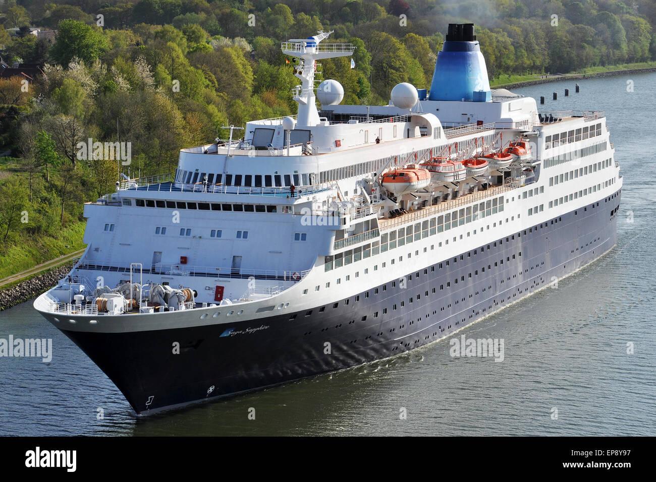 Cruiseship Saga Sapphire passing the Kiel Canal - Stock Image