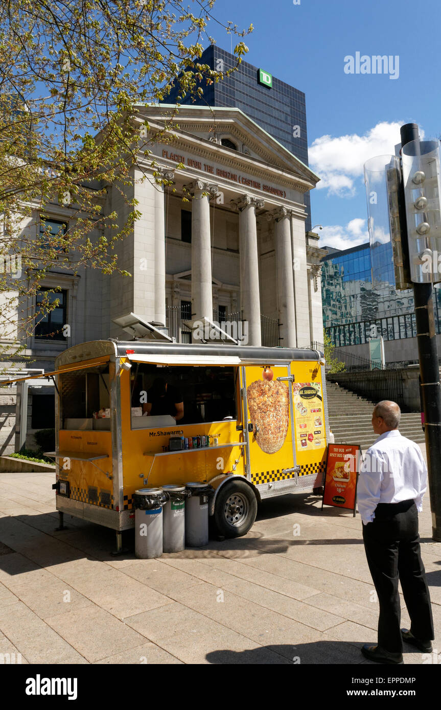 middle-eastern-food-truck-in-front-of-th
