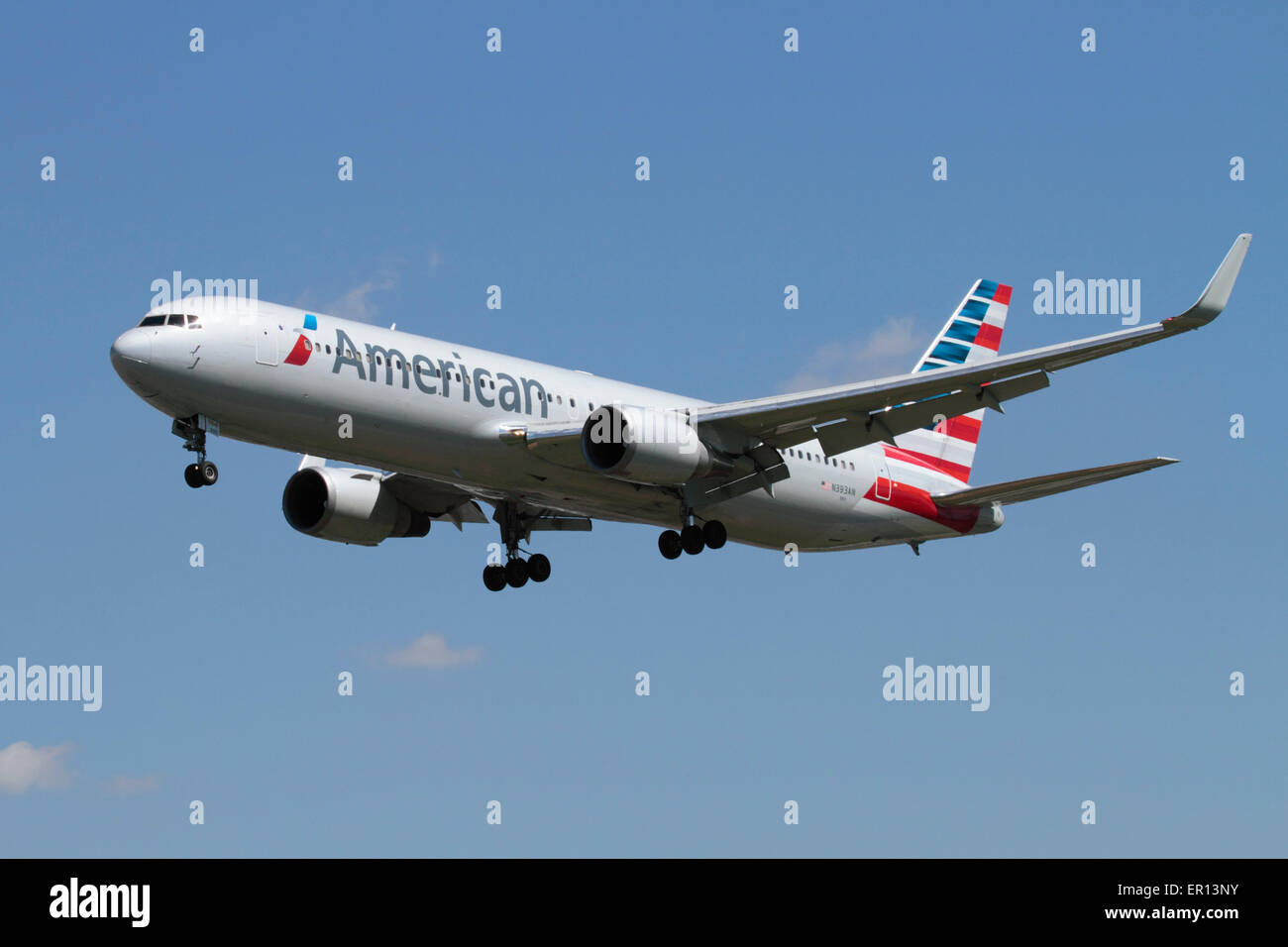 American Airlines Boeing 767-300ER passenger jet plane on approach Stock Photo