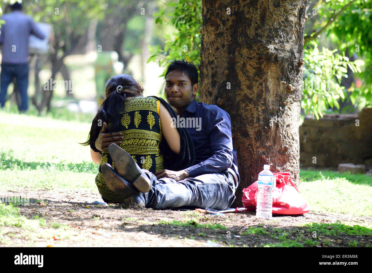 indian lovers stock photos & indian lovers stock images - alamy