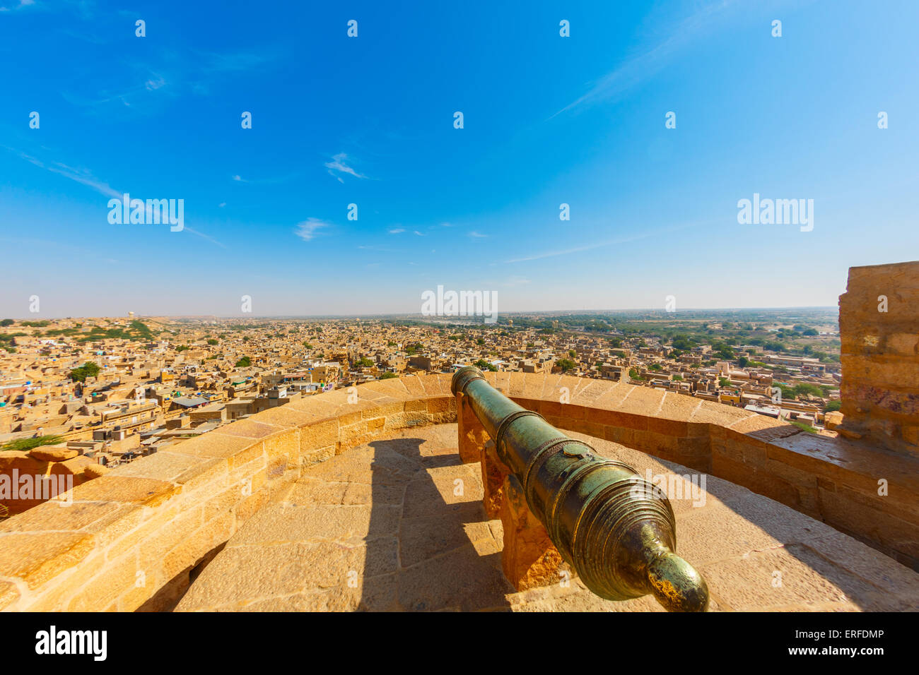 Ancient cannon in Jaisalmer fort, Rajasthan, India - Stock Image