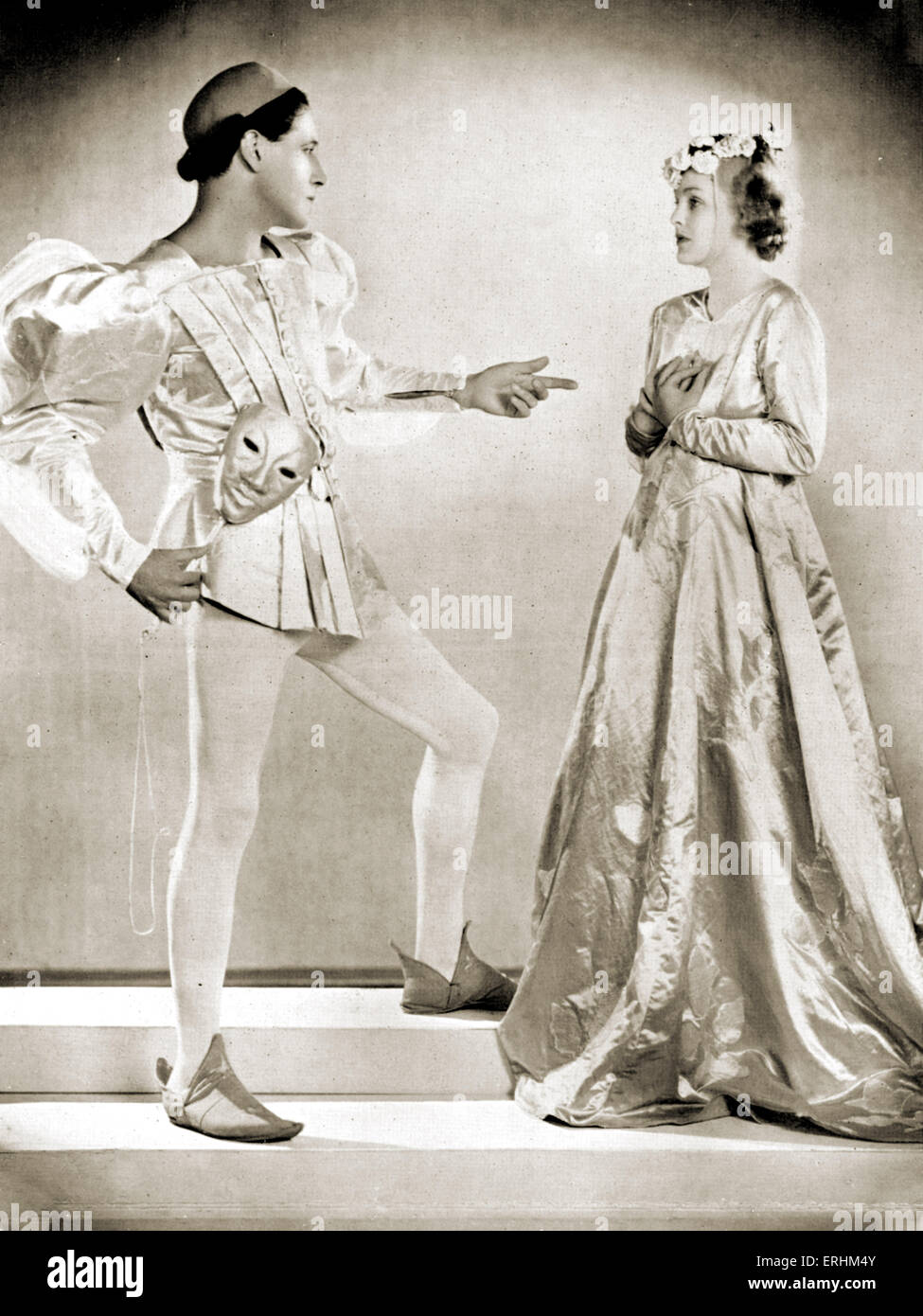 Ivor Novello as 'Romeo' & Joan Barry as 'Juliet' in the masque of 'Romeo & Juliet', - Stock Image