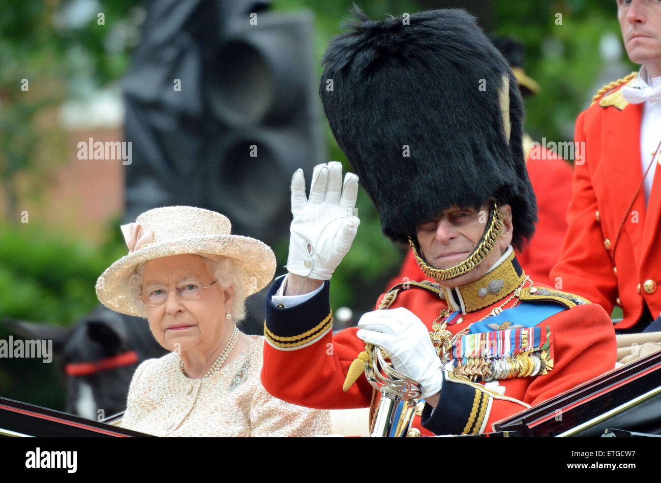 the-queen-and-prince-philip-trooping-of-the-colour-in-the-mall-london-ETGCW7.jpg