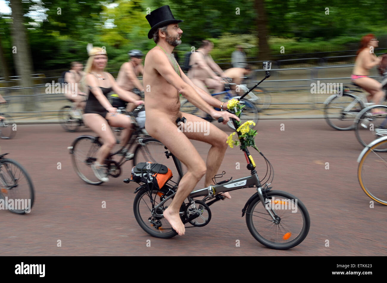 the-world-naked-bike-ride-in-london-gives-people-the-chance-to-prove-ETK623.jpg