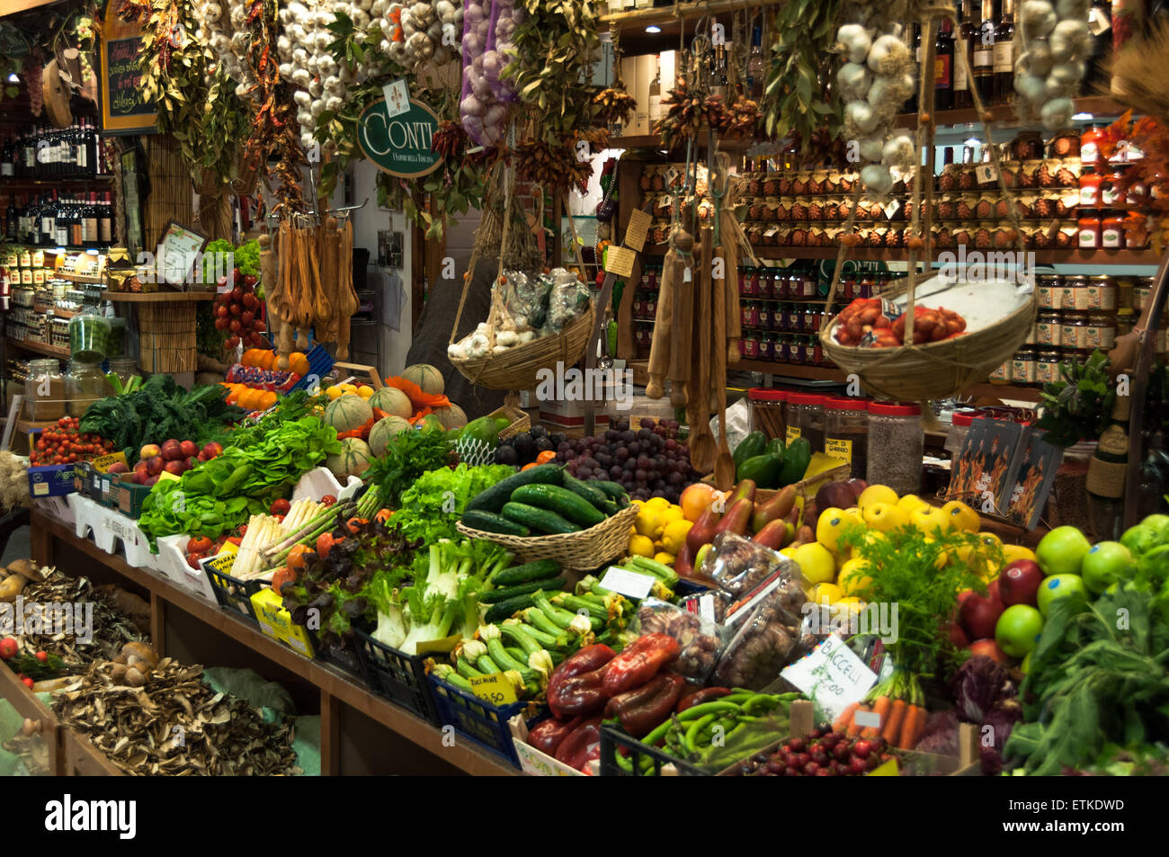 interior-of-the-mercato-centrale-food-and-flower-market-in-florence-ETKDWD.jpg