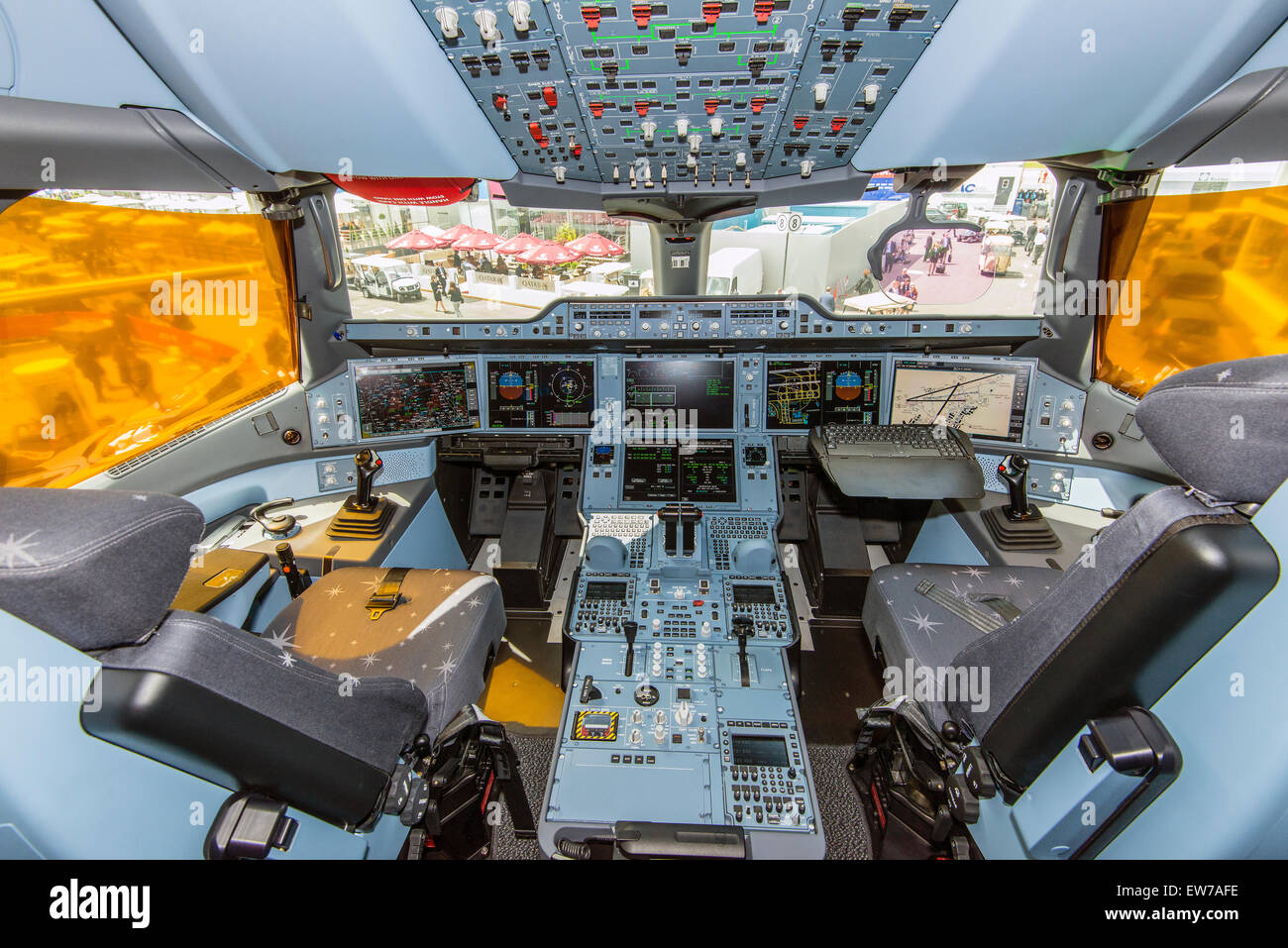 Interior view of the cockpit of the Qatar Airways Airbus A350-900 - Stock Image