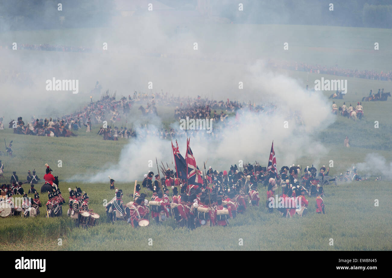 spectacular-reenactment-of-the-battle-of-waterloo-on-the-original-EWBN45.jpg