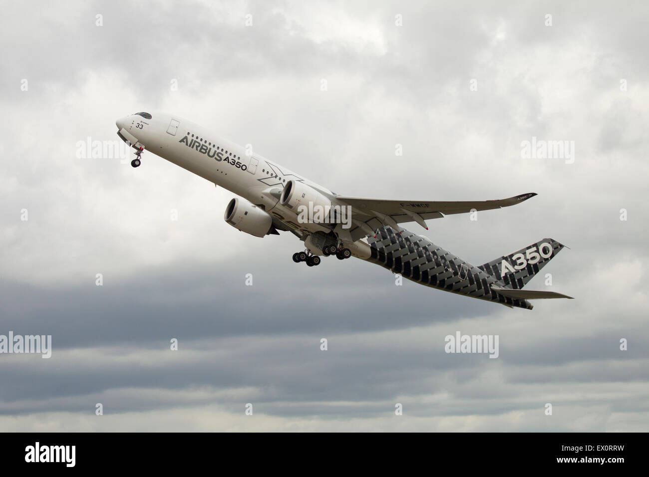 Airbus 350 taking off at the 2015 Le Bourget airshow - Stock Image