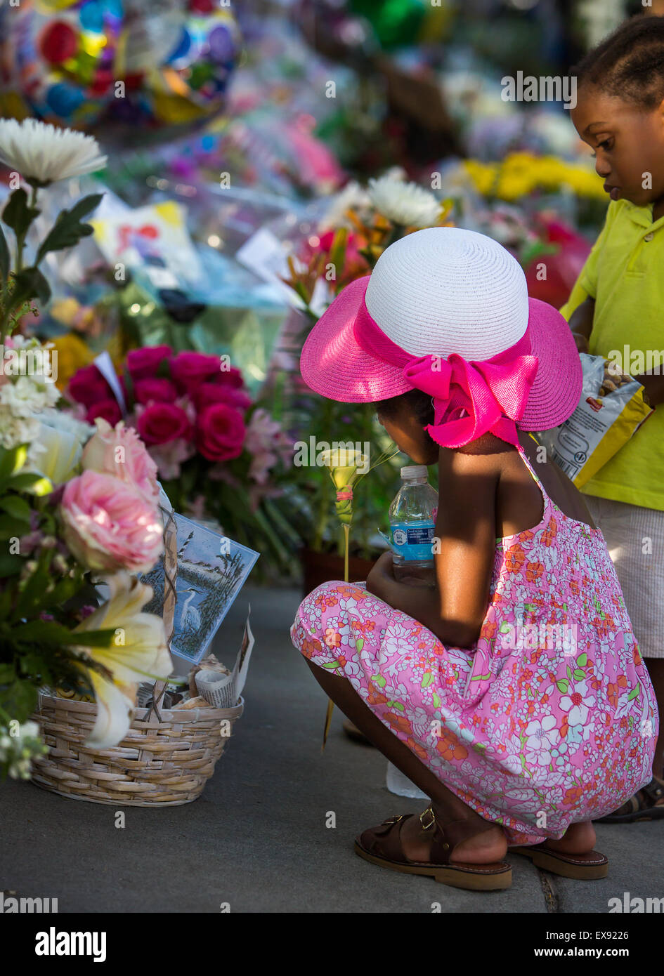 Memorial in front of Emanuel AME Church in Charleston, SC. - Stock Image