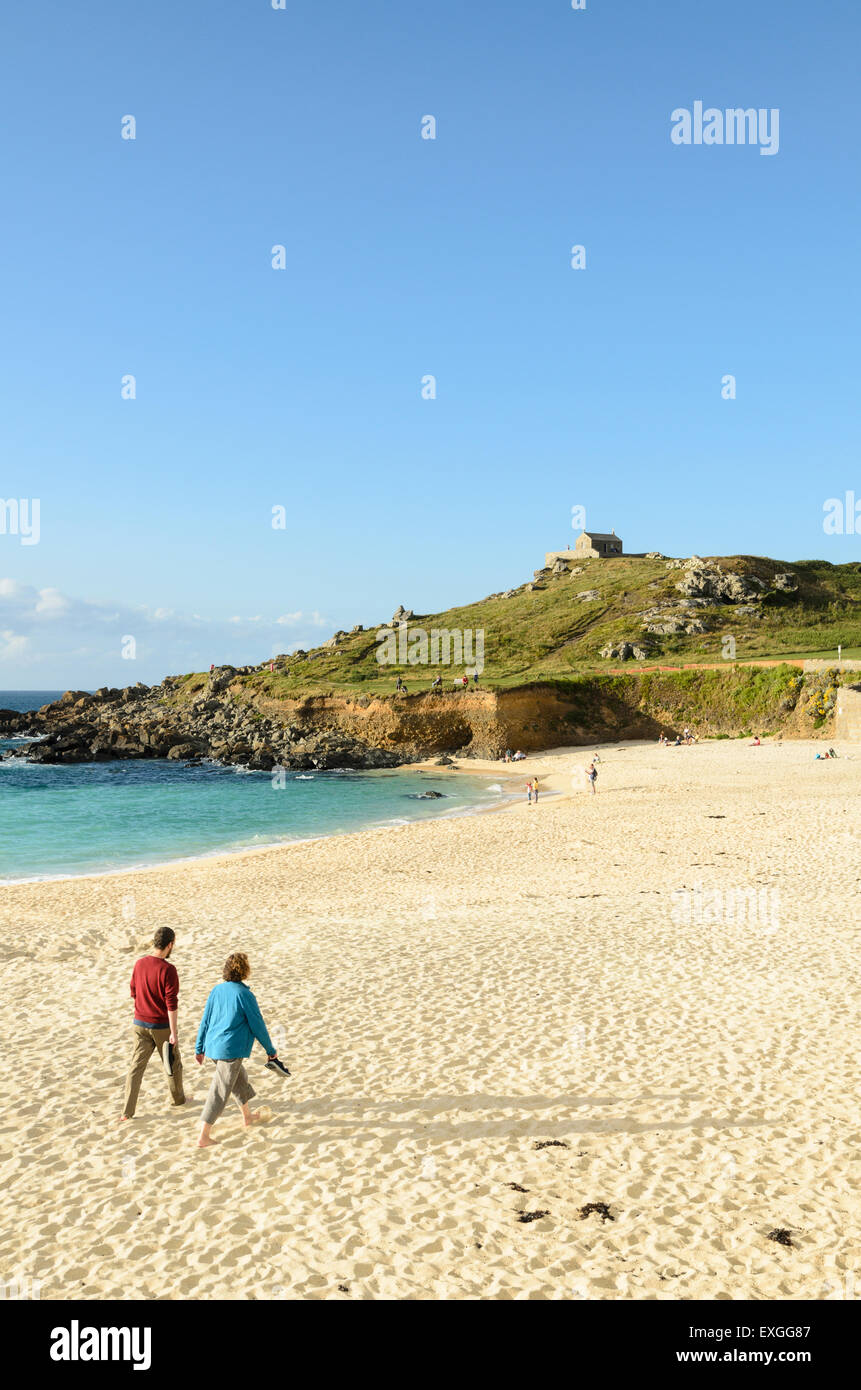 Porthmeor Beach, Cornwall,England, UK hosts holiday apartments, artists studios, cafes and The Tate Gallery. - Stock Image