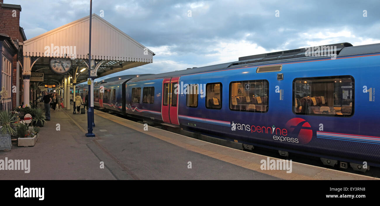 SK15 1RF,SK15,1RF,SK151RF,Rassbottom,Street,St,1st,DMU,Station,Greater,Manchester,England,UK,GMTE,GMPTE,waiting,at,platform,Desiro,Class,185,1st Class,First Class,First Transpennine,train at platform,Station at dusk,at dusk,Greater Manchester,Northern Powerhouse,Class 185,GoTonySmith,British,TOC,operating,company,British,Rail,BR,railway,trainline,FirstGroup,Keolis,inter-city,intercity,Northern,Hub,carriage,car,cars,livery,SNCF,Buy Pictures of,Buy Images Of,British Rail,Northern Hub,Class 185 Desiro,Class 185 train