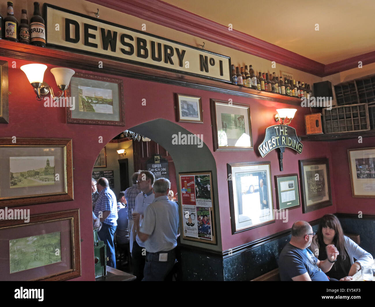Real,Ale,realale,CAMRA,aletrail,WestRiding,bar,pubs,bars,drinking,drinkers,trans,pennine,transpennine,train,trains,trail,train,ales,platform,buffet,cafe,sign,Stalybridge,public,inside,interior,room,Ale Train,Ale trail,Dewsbury No 1,No 1,GoTonySmith,Buy Pictures of,Buy Images Of