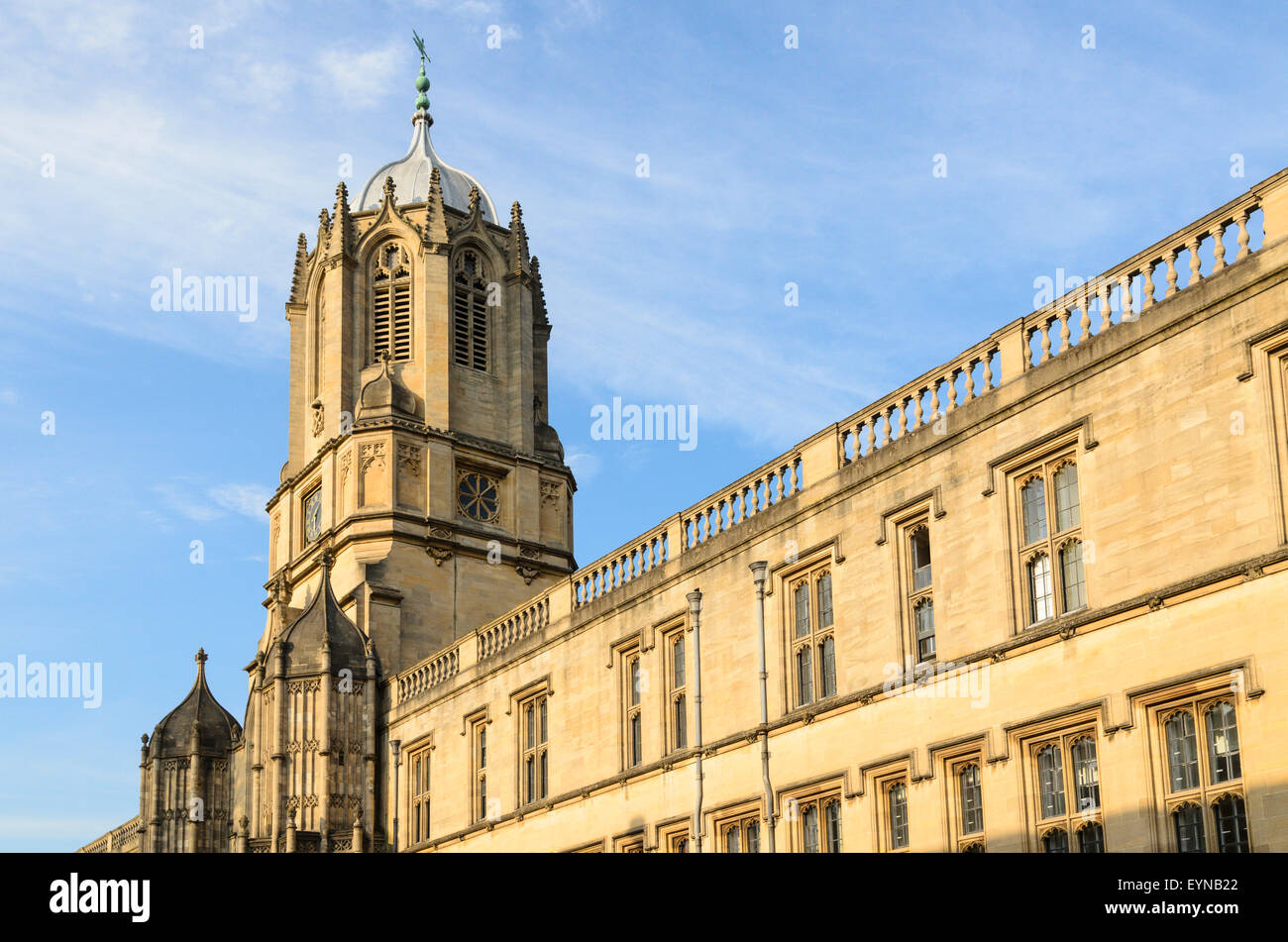 Tom Tower designed by Sir Christopher Wren, Christ Church, Oxford University, Oxford, England, UK. - Stock Image