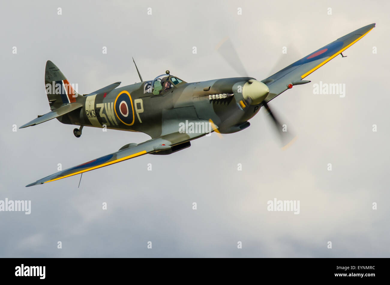 pilot-dan-griffith-flying-spitfire-fighter-plane-operated-by-the-biggin-EYNMRC.jpg