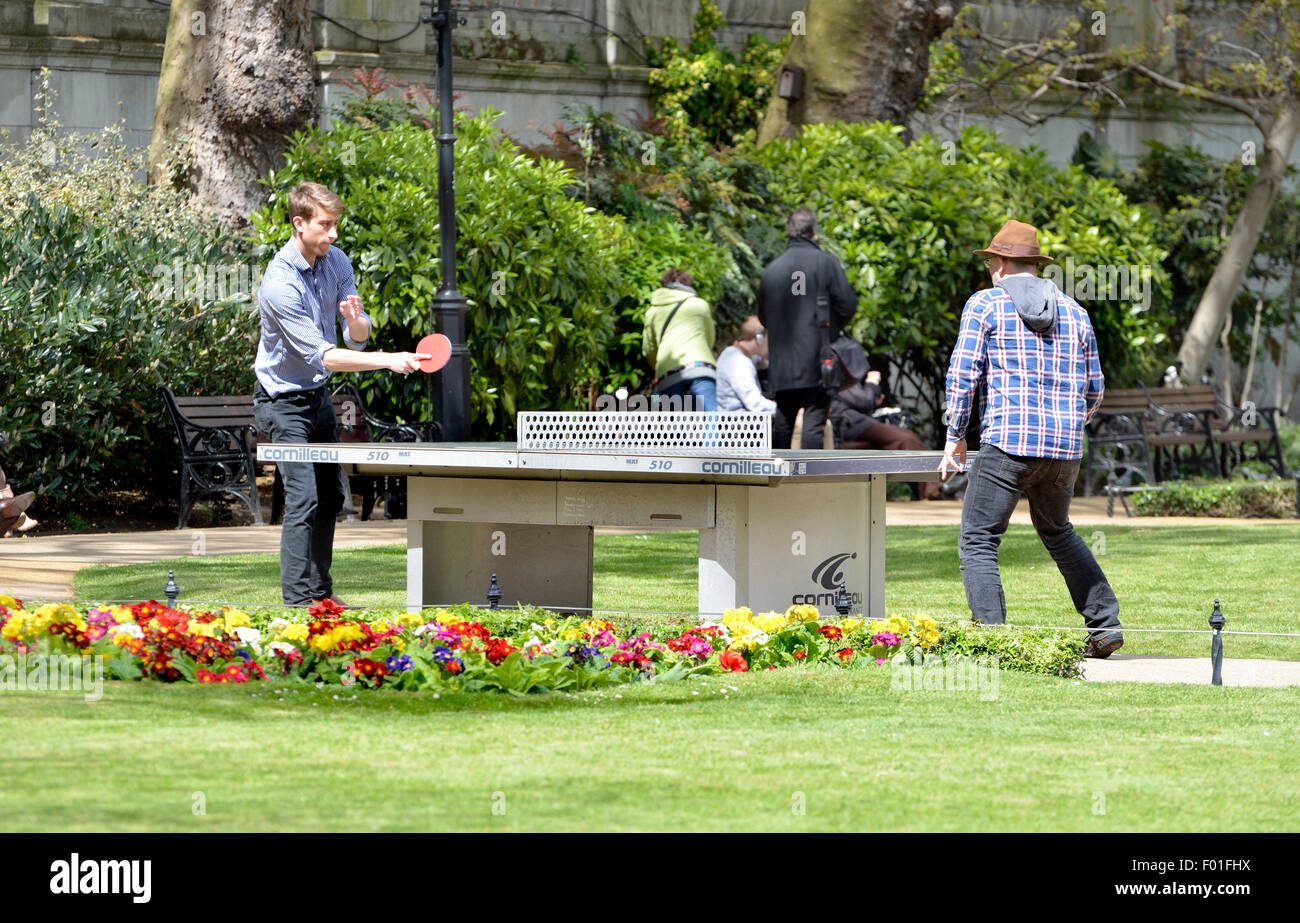 London, England, UK. Outdoor table tennis in a London park - Stock Image