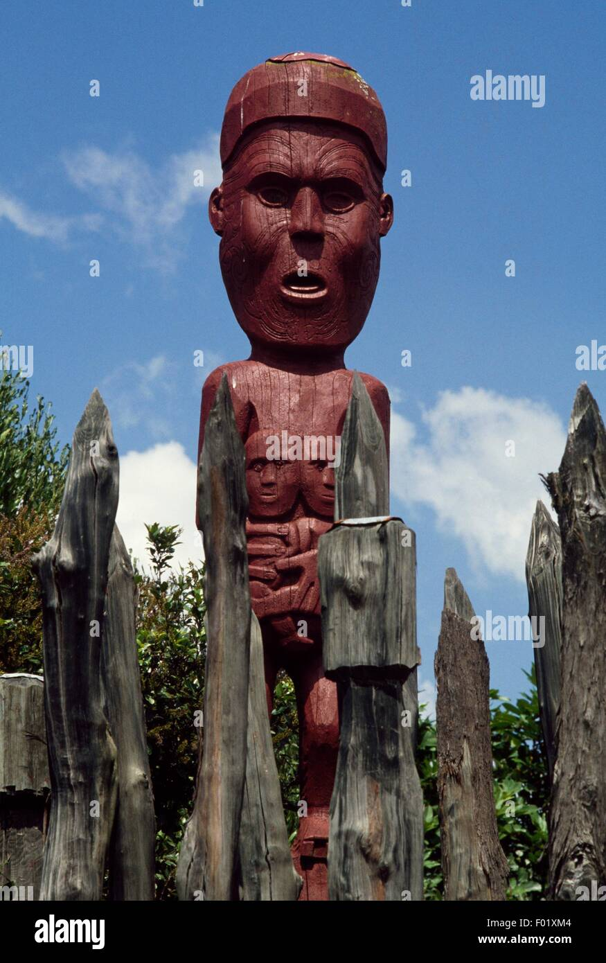 Anthropomorphic sculpture in a Pah (fortified Maori village), New Zealand. - Stock Image