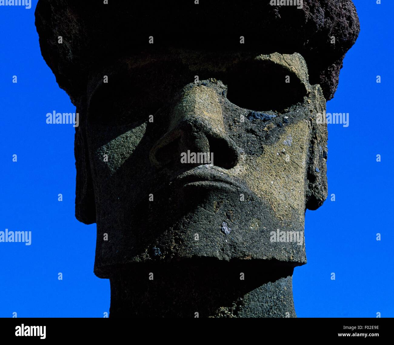 Moai (anthropomorphic monolith sculpture), Ahu Nau Nau, Rapa-Nui National Park (UNESCO World Heritage List, 1995), - Stock Image