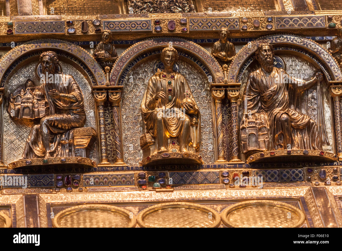 detail-of-the-shrine-of-the-three-kings-