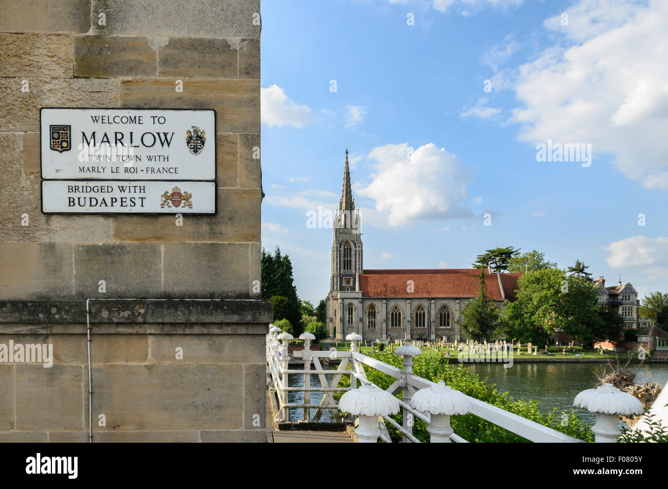 The Bridge over the River Thames at Marlow and All Saints Church, Marlow,Buckinghamshire, England, UK. - Stock Image