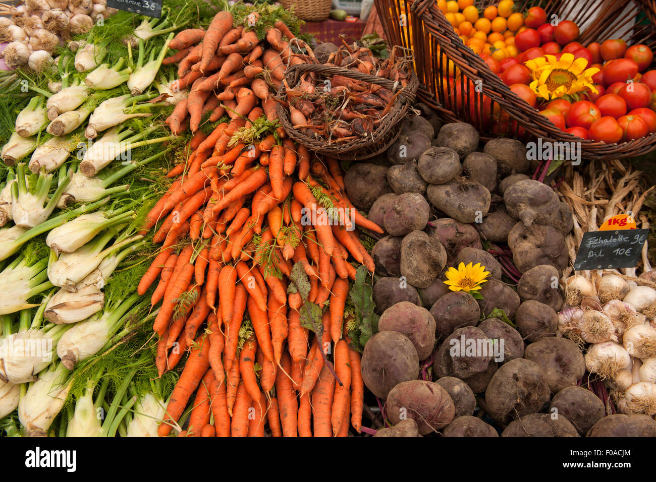 Traditional French market stall with vegetables on display, Issigeac, France - Stock Image
