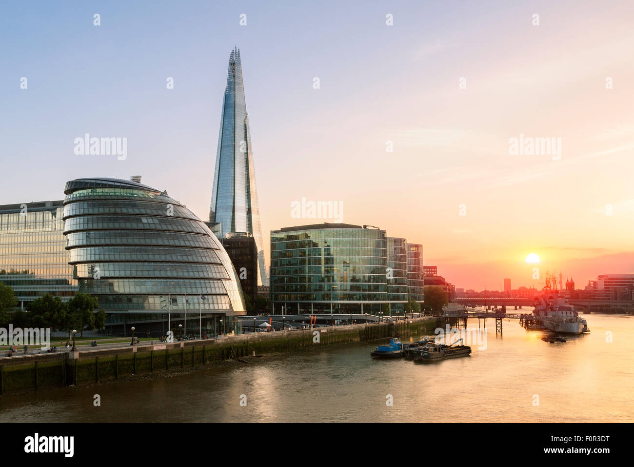 London, Shard London Bridge and London City hall at Sunset - Stock Image