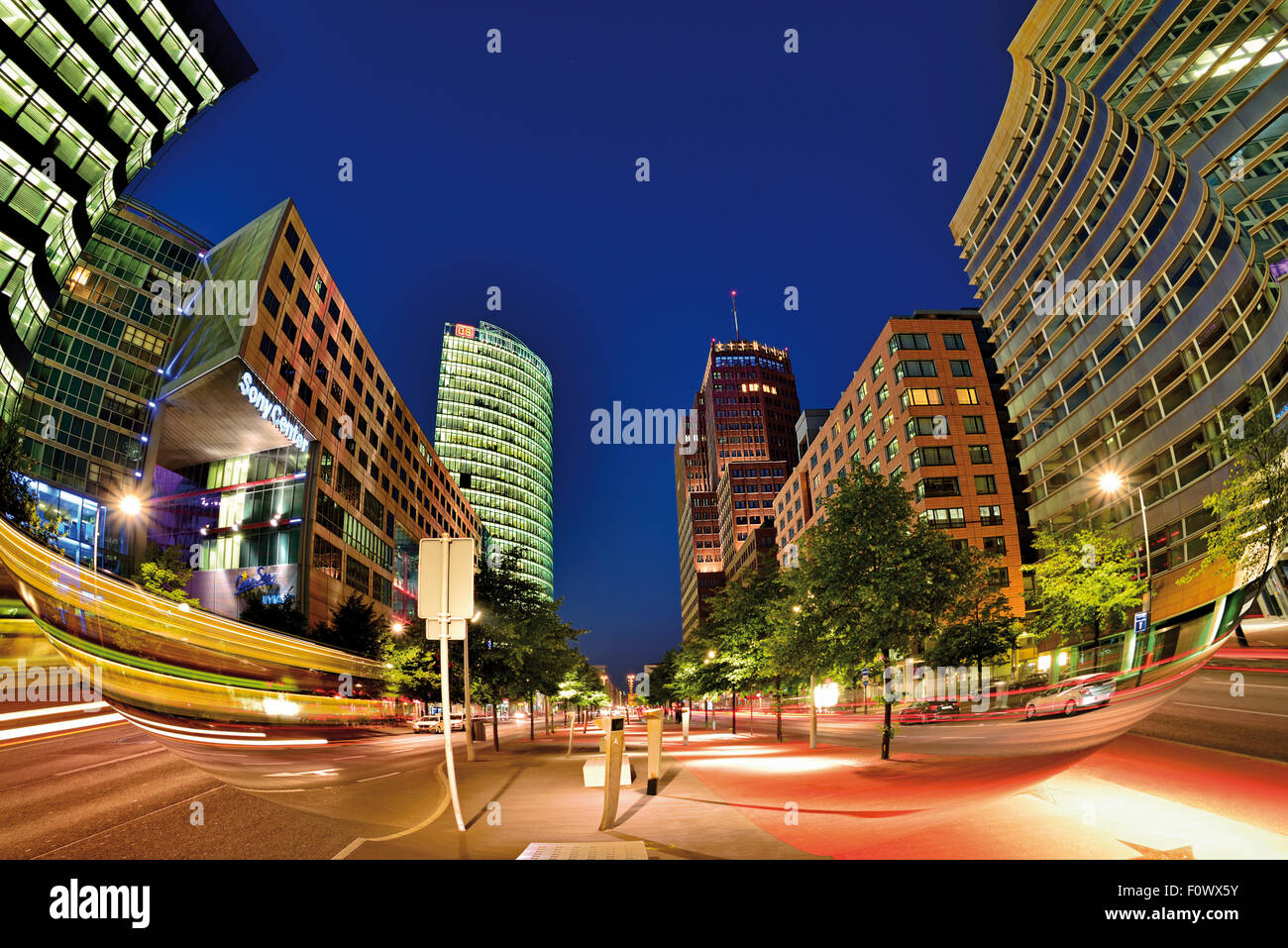 Germany, Berlin: Contemporary architecture at Potsdamer Platz by night - Stock Image