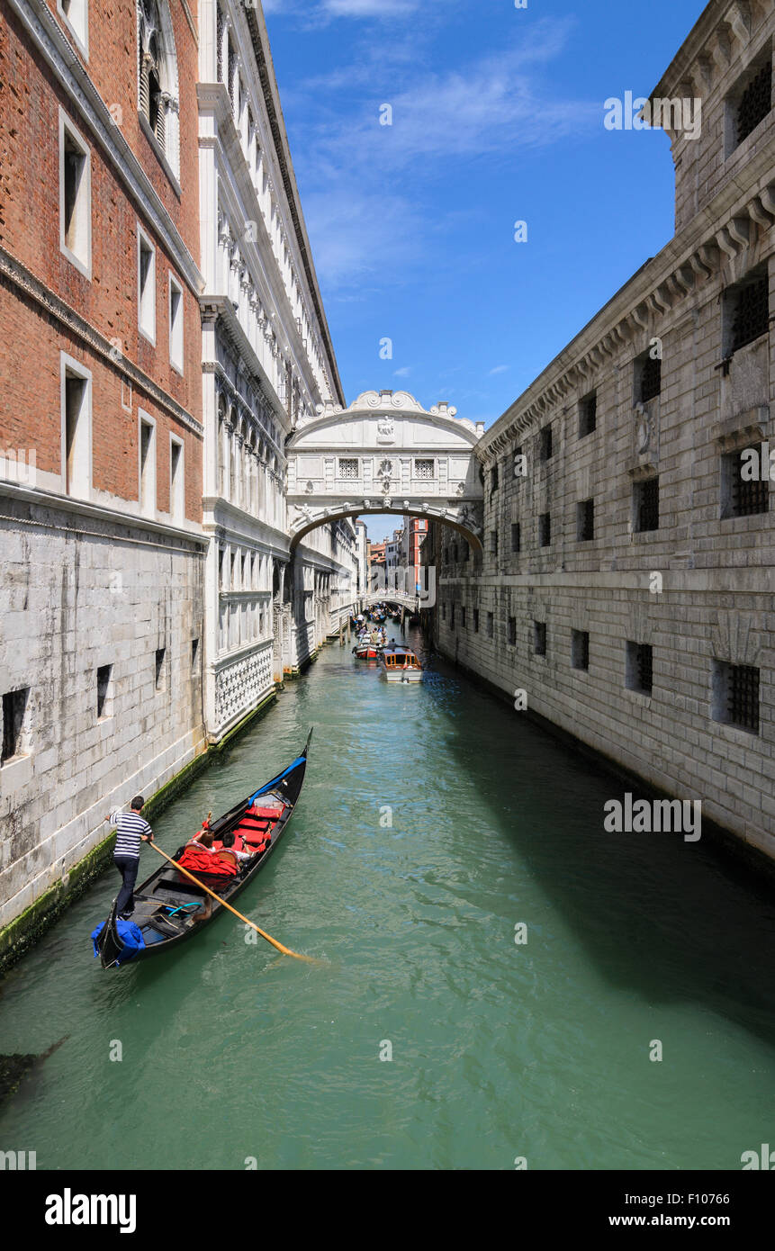 Ponte dei Sospiri commonly know as The Bridge of Sighs, Venice, Otaly. - Stock Image