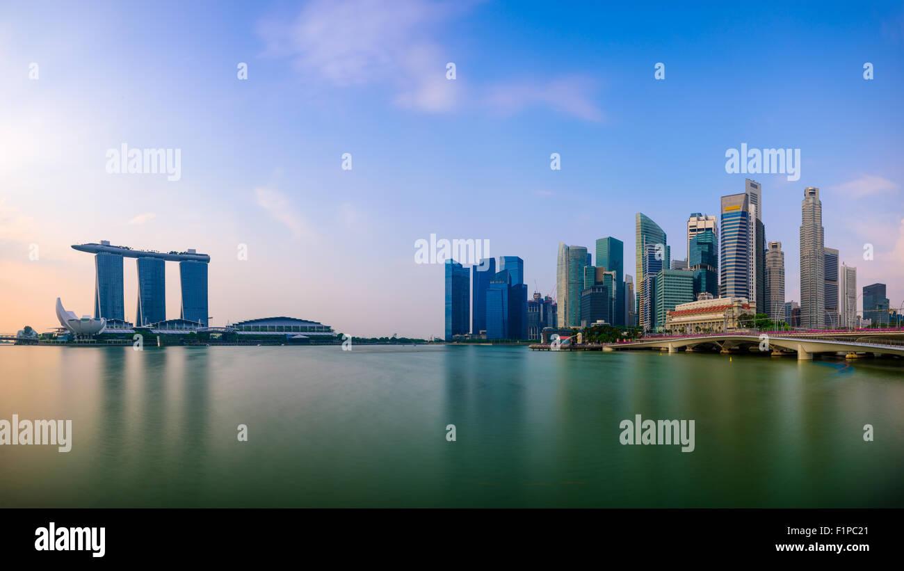 Singapore skyline at the Marina. - Stock Image