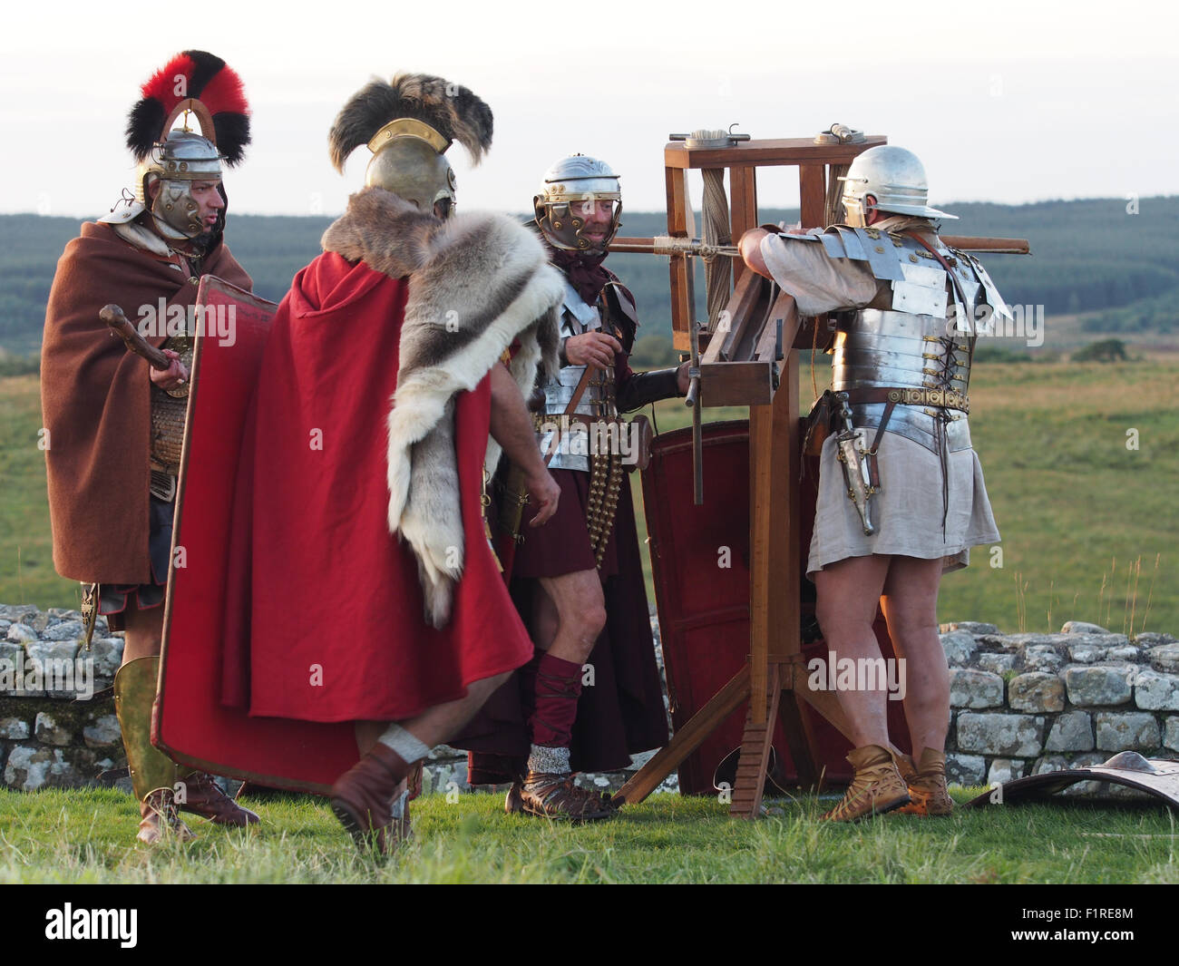 "Housesteads Fort, England, UK. 05th Sep, 2015. Italian group ""Legio I Italica"" perform reenactments of battles between Stock Photo"