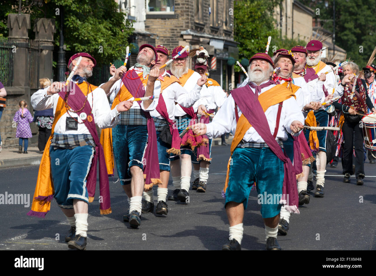 wrigley-head-morrismen-in-the-rushbearing-festival-procession-sowerby-F1XM48.jpg