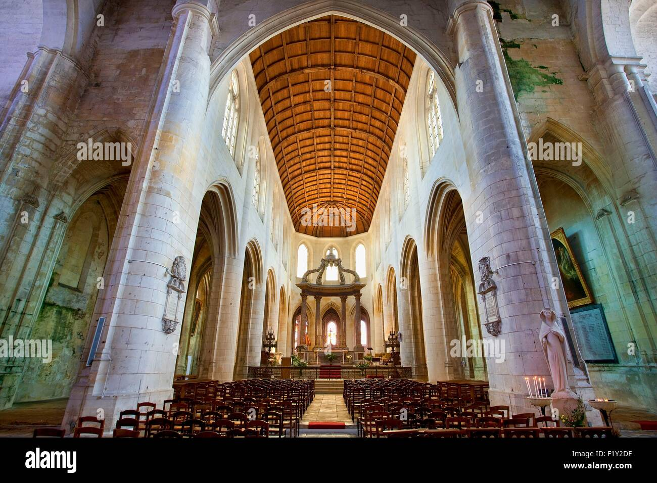 France, Charente Maritime, Saintonge region, Saintes, cathedral Saint Peter - Stock Image