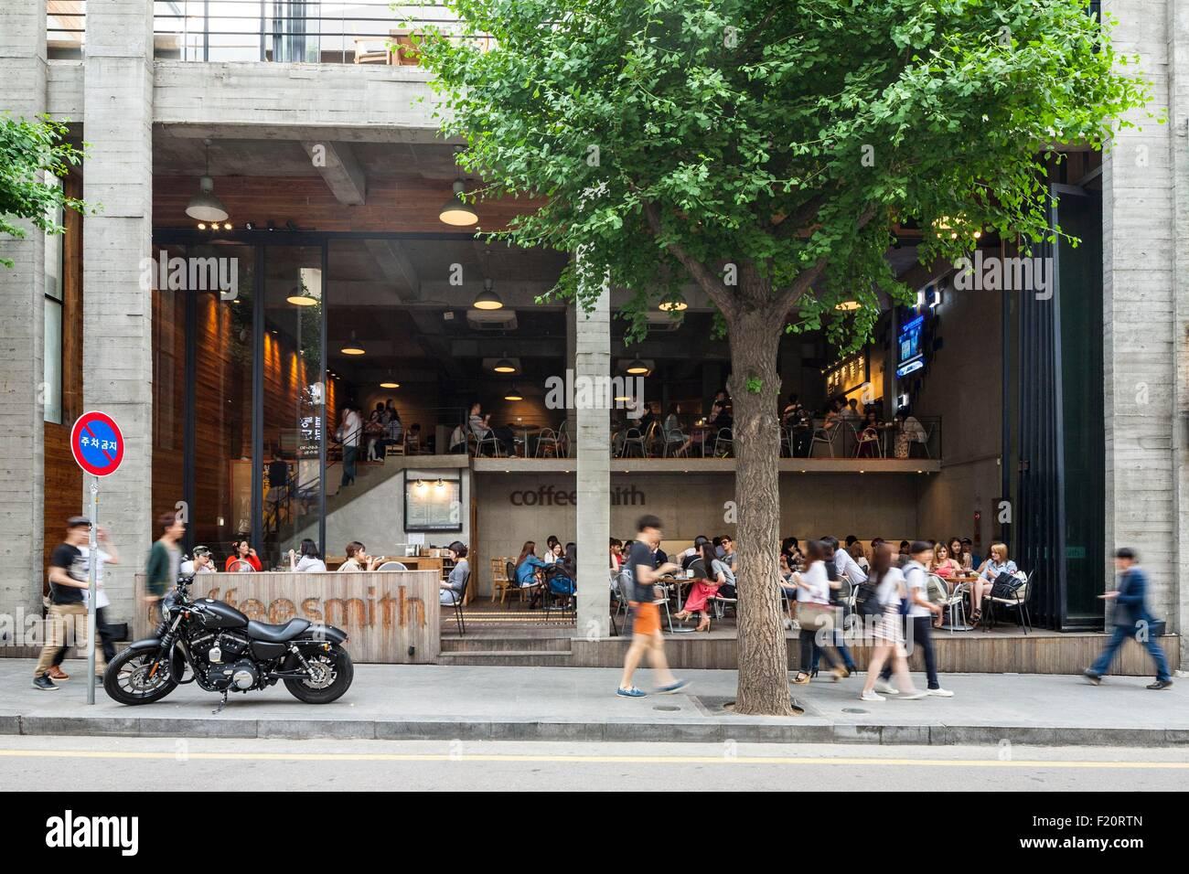 South Korea Seoul Gangnam District Sinsadong Garosugil Street