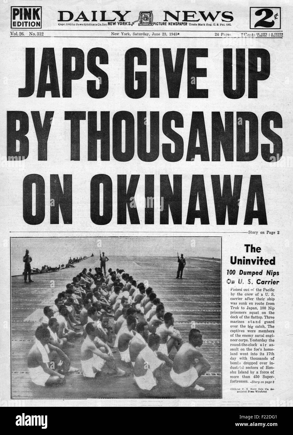 1945 Daily News (New York) front page reporting the Battle for Okinawa Stock Photo