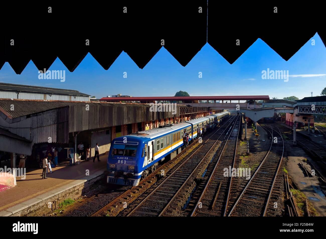 Sri Lanka, Colombo, Maradana train station - Stock Image