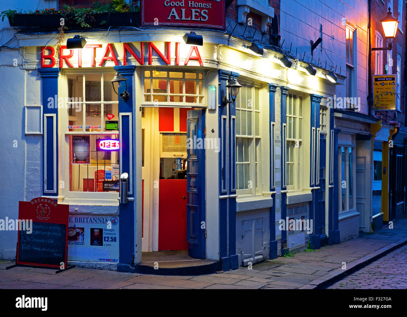 The Britannia pub at twilight, Boston, Lincolnshire, England UK Stock Photo