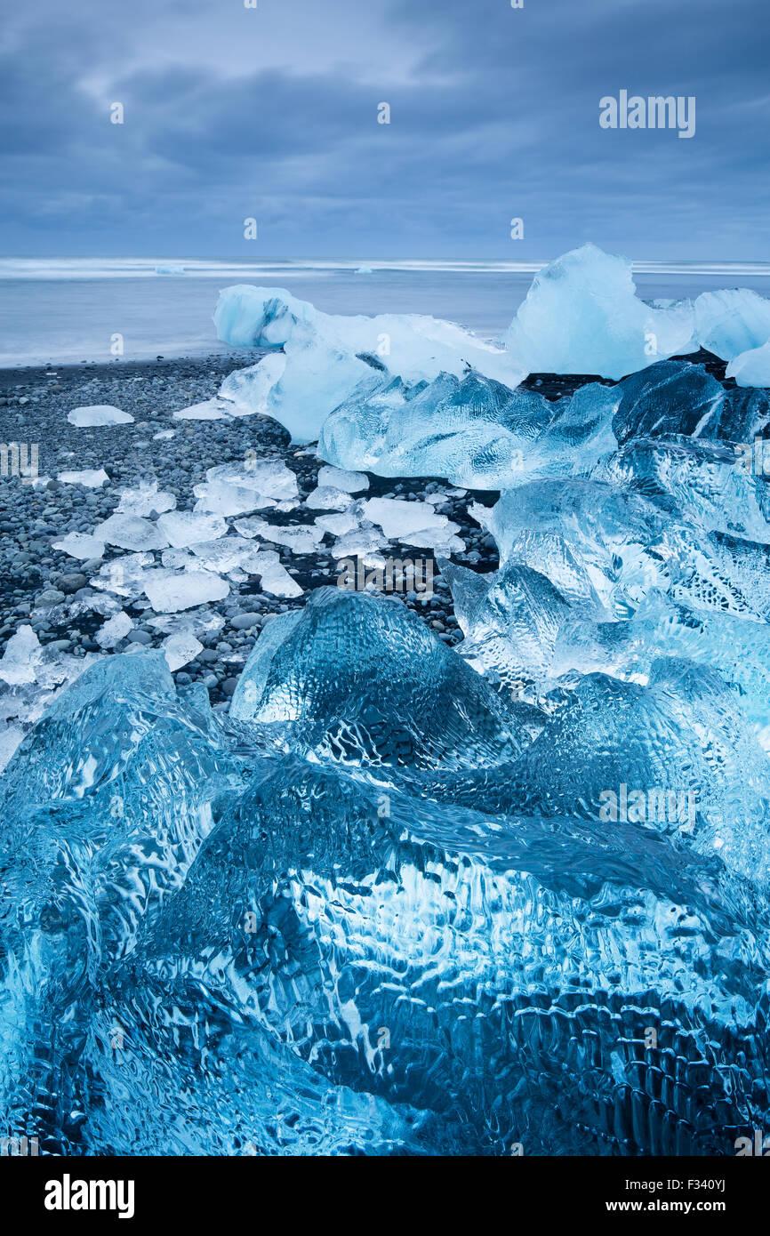 ice in the beach at Jökulsárlón, Iceland - Stock Image